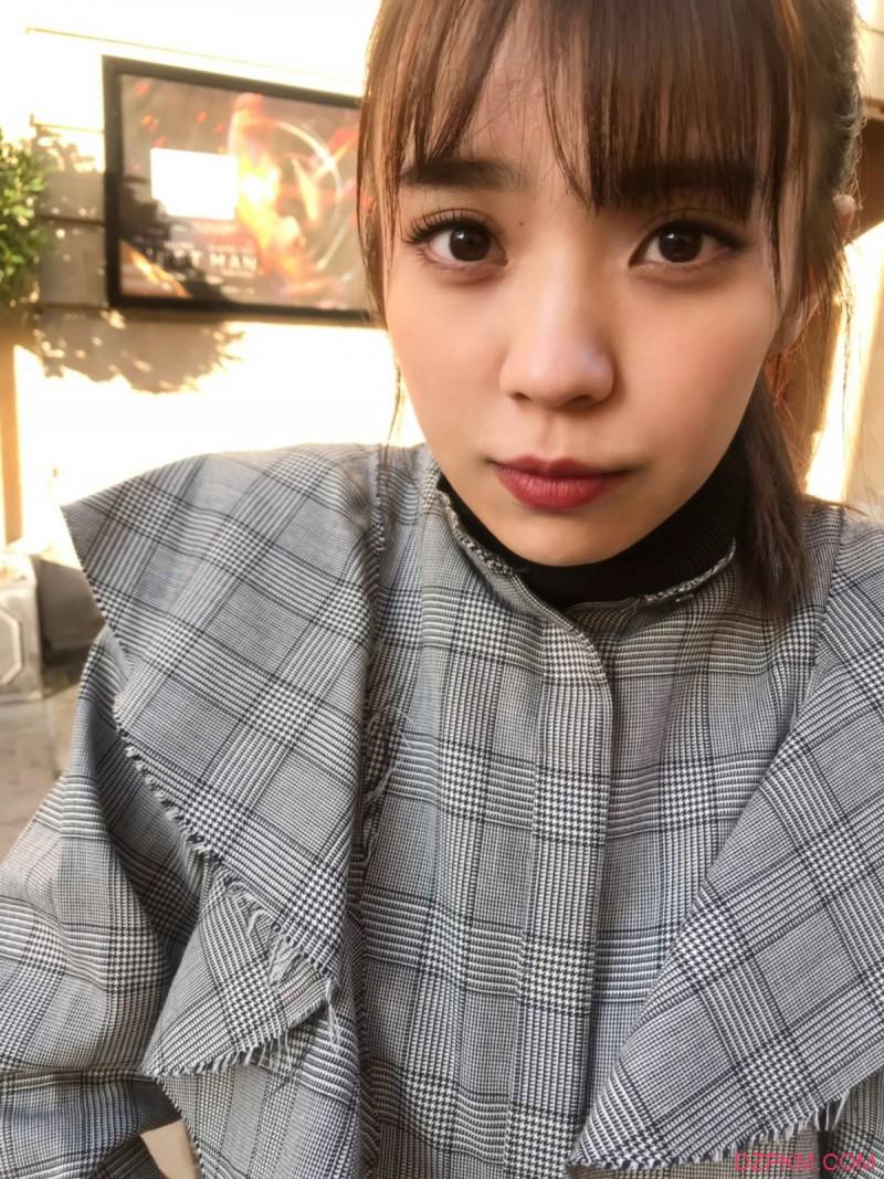 """欅坂46成员""""小林由依""""全新写真感情之构图 三点式泳衣伦敦初体验"""