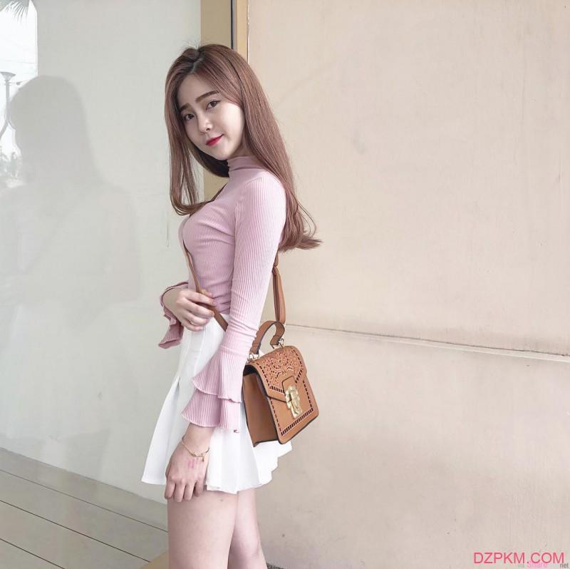 大长腿嫩妹Hannah Miiao 正妹精致脸蛋吸粉数万