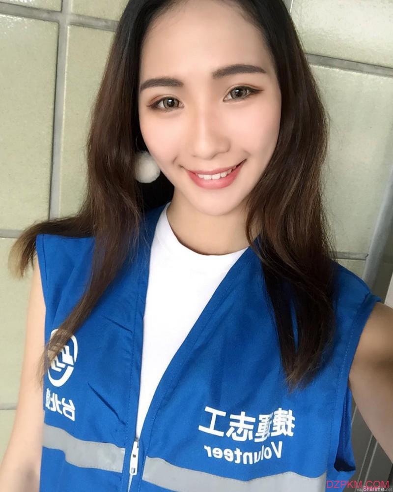 台湾正妹小猫Vivan神似女神Maybank 性感身材前凸后翘令人难以抗拒