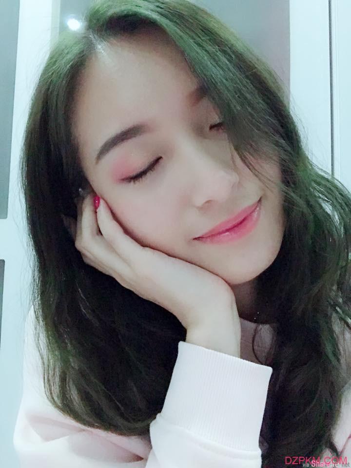正妹Josephine Chin颜值爆表 甜美笑容看一眼令人想恋爱