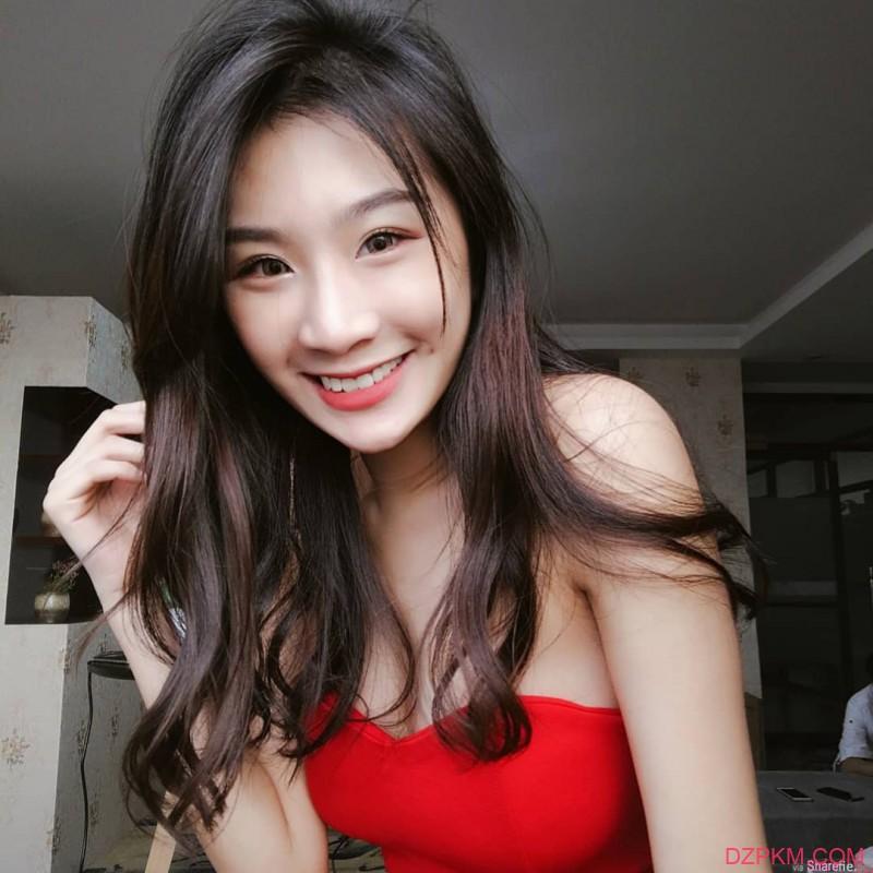 超美正妹Michelle Lim 雪白肌肤性感迷人
