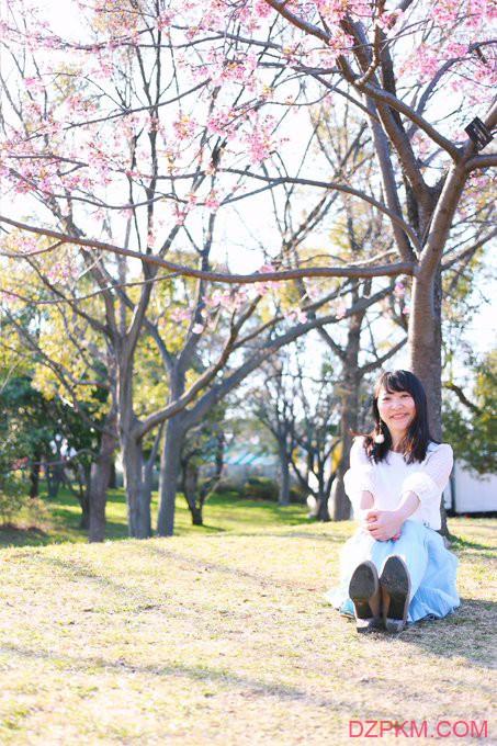 日本正妹情人节爆红 和女朋友约会照片感觉每天都在过节