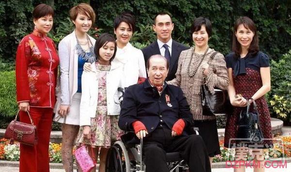 """98岁""""赌王""""何鸿燊逝世,传奇一生终谢幕"""