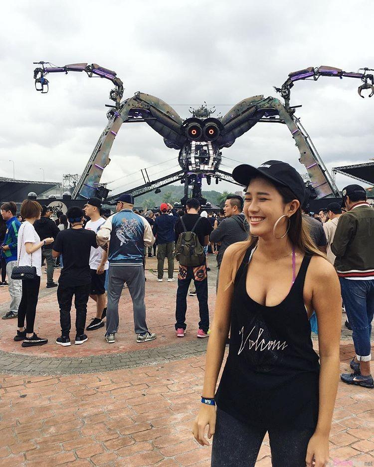 台湾阳光正妹Jean Shen 健康古铜肌清新自然风