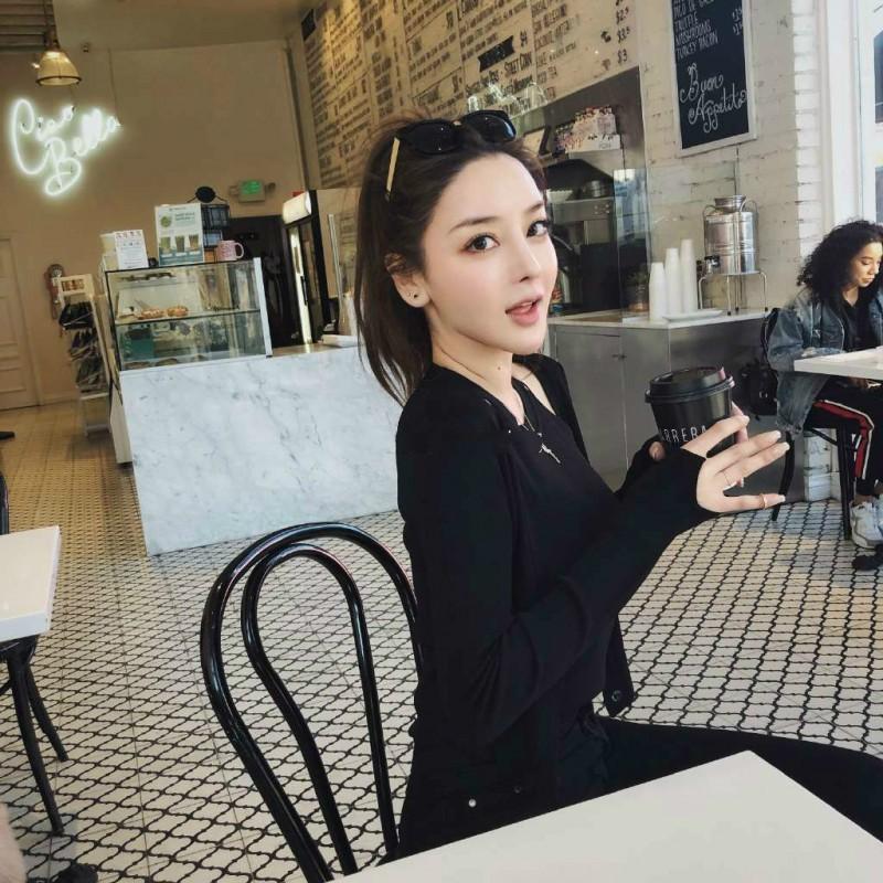 网红美女徐清婉 运动正妹细腰翘臀迷倒网友