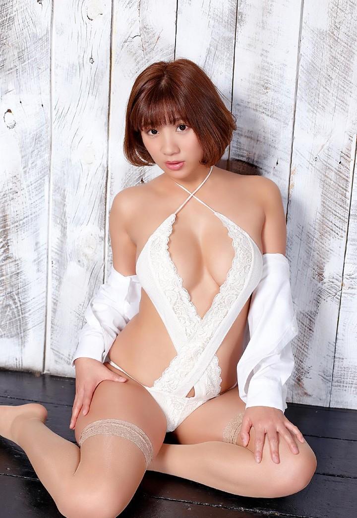 NTV宣传女郎冠军叶月AYA大秀丰满H奶成熟魅力