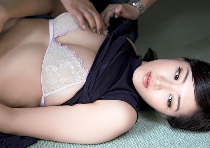 叶加濑麻衣30岁前以全裸极限展露G奶带出成熟诱惑