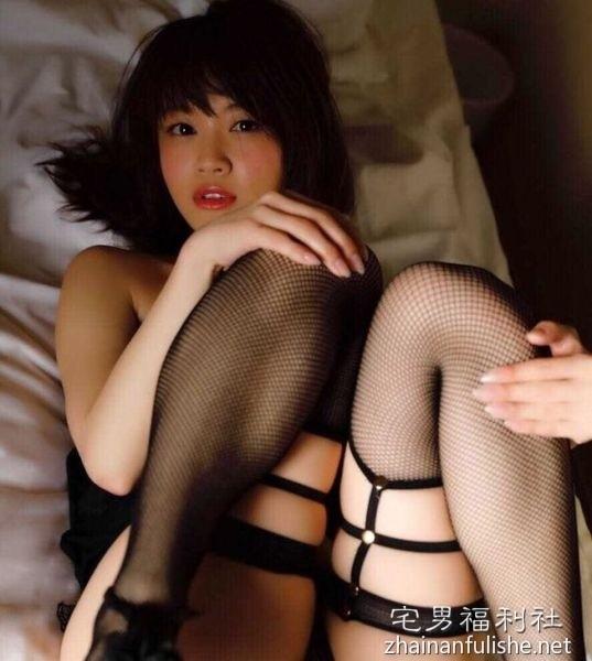 平林あずみ最新写真 诱人性感蜜桃臀令人垂涎三尺
