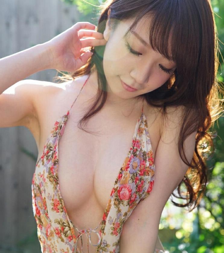 日本国民童颜巨乳选美比赛 H奶女神清水蓝里夺冠