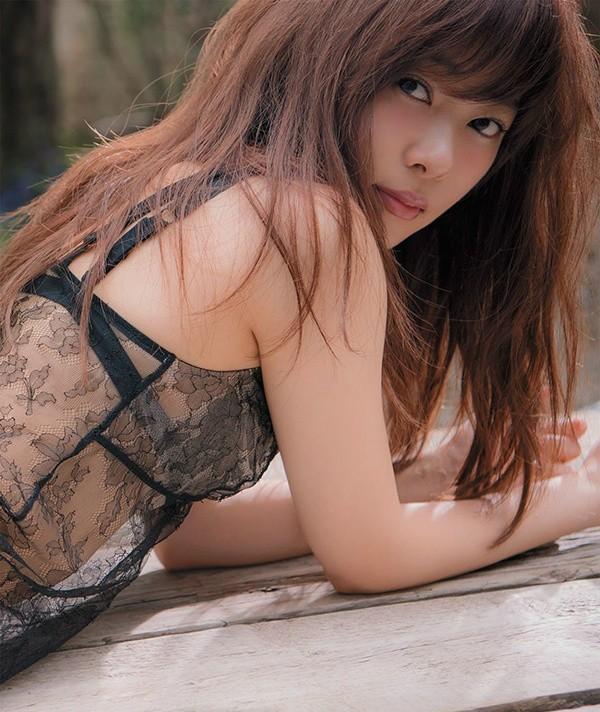 指原莉乃(さしはら りの)性感写真 蜜桃臀美女诱惑人心