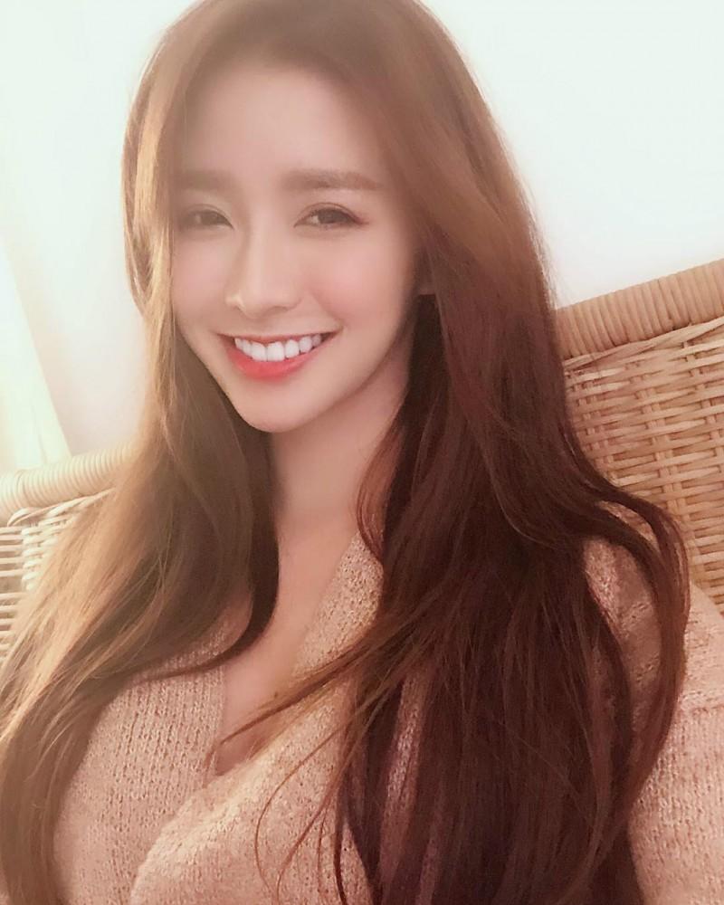 氧气女孩蔡卓宜Joey Chua 女神正妹美若天仙甜美笑容迷人