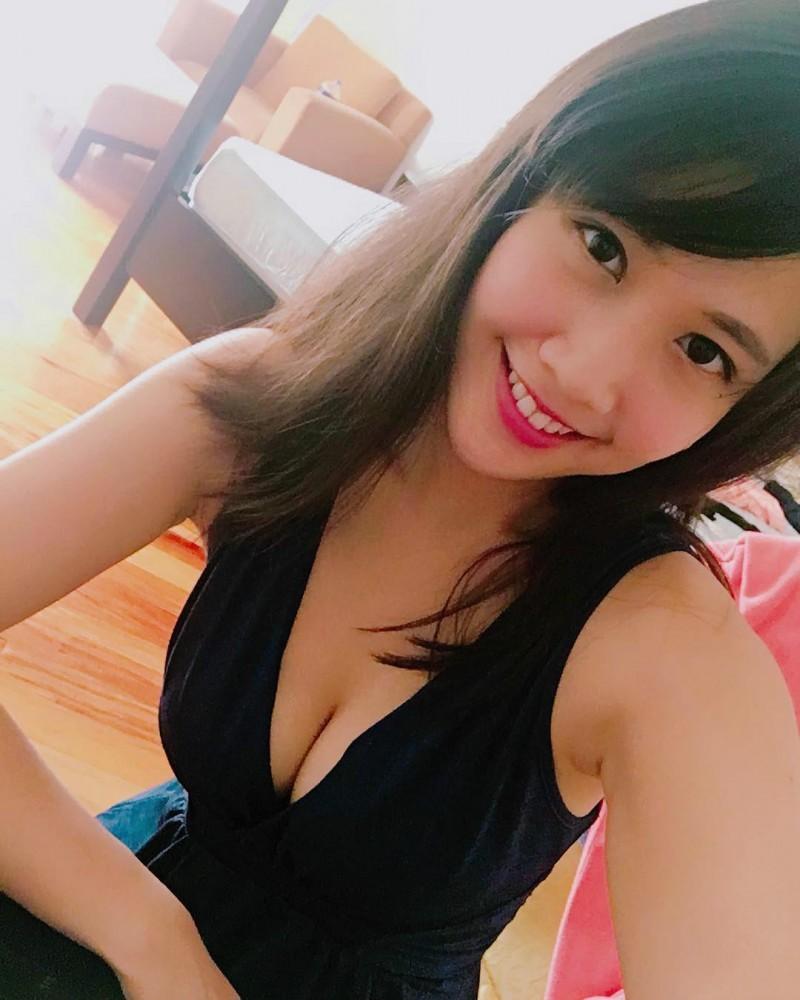 台湾正妹杨子莹Miranda大尺度私拍照 性感泳衣中空大开辣翻网友
