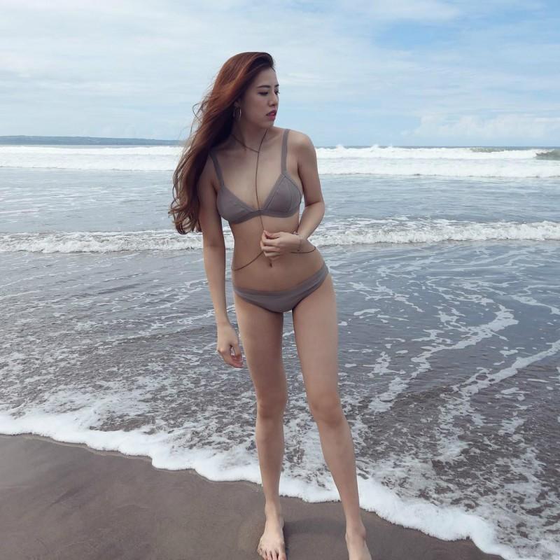 大长腿气质正妹薇倪 健身房秀9头身材比例