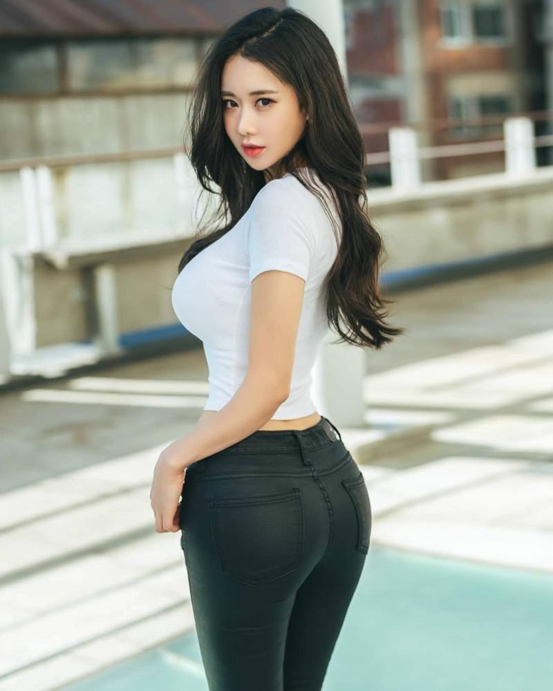 韩国性感正妹CANDY 丰乳肥臀火辣身材不科学