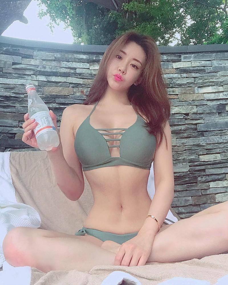 韩国美女健身正妹Jenny,翘臀诱惑 极品身材完美S曲线超诱人
