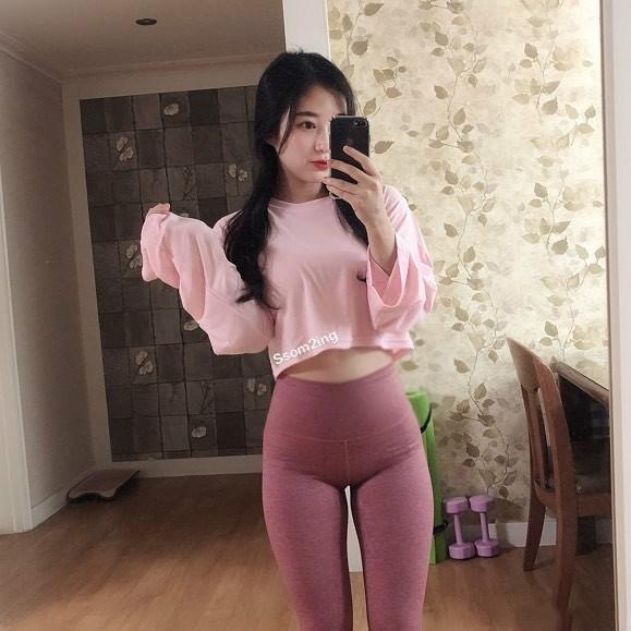 韩国瘦身裤代言正妹 穿瘦身裤性感S曲线超迷人