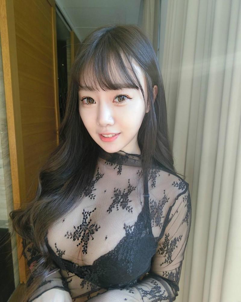 台湾性感正妹林旻仪Vanessa Lin 米妹极品美乳深沟令人窒息