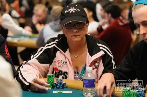 Ruth Hall被评为女子扑克协会年度最佳牌手