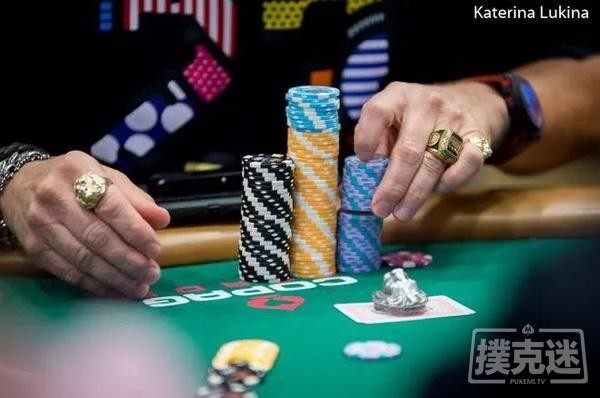 帮你赢得更多筹码的五个德州扑克小技巧