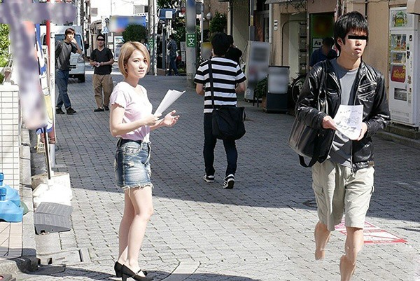 WANZ-822: 男女通吃前所未见,蕾丝边女神椎名そら地铁站出口搭讪百人中出!
