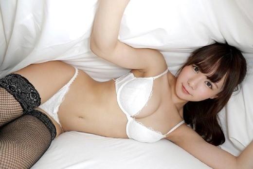 性爱天才坂道美琉精湛口技展现 深喉被吸到怀疑人生!