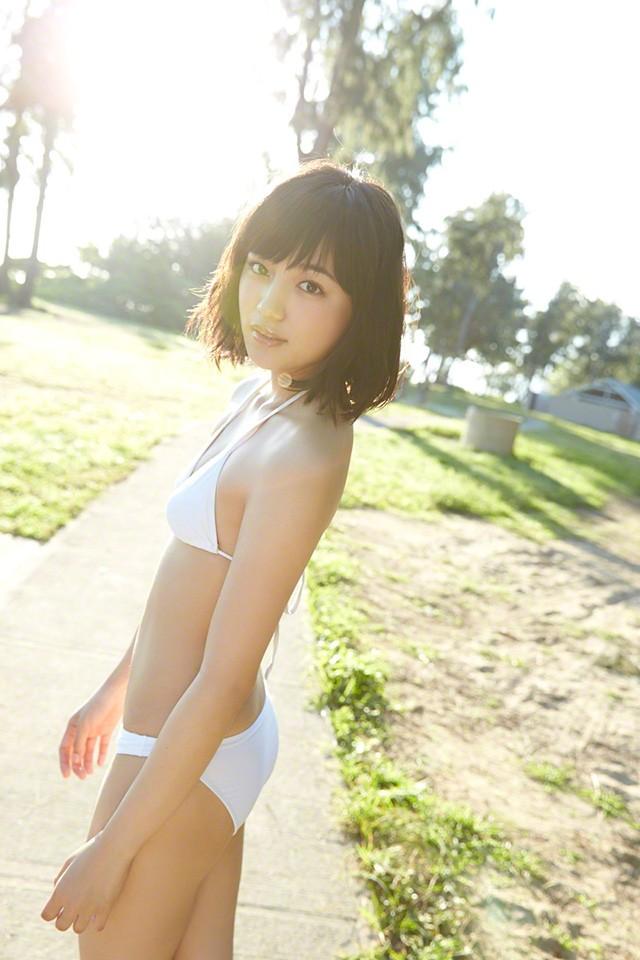 20岁川口春奈以青春性感写真 保持人气为再次成主演而努力
