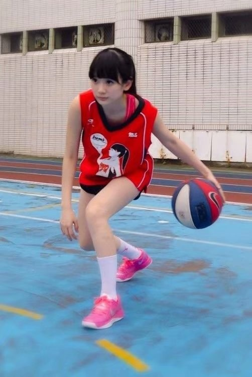 篮球正妹洗菜像赤木晴子 正妹女神多才多艺