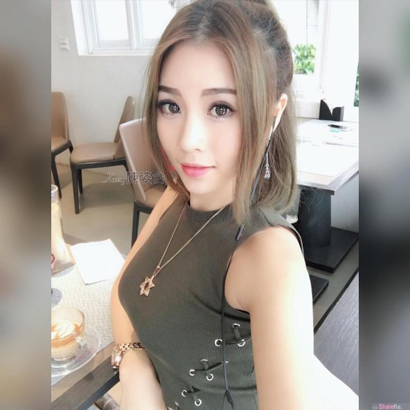 台湾甜美正妹陈姿含karry 街头巨乳的诱惑回头率高