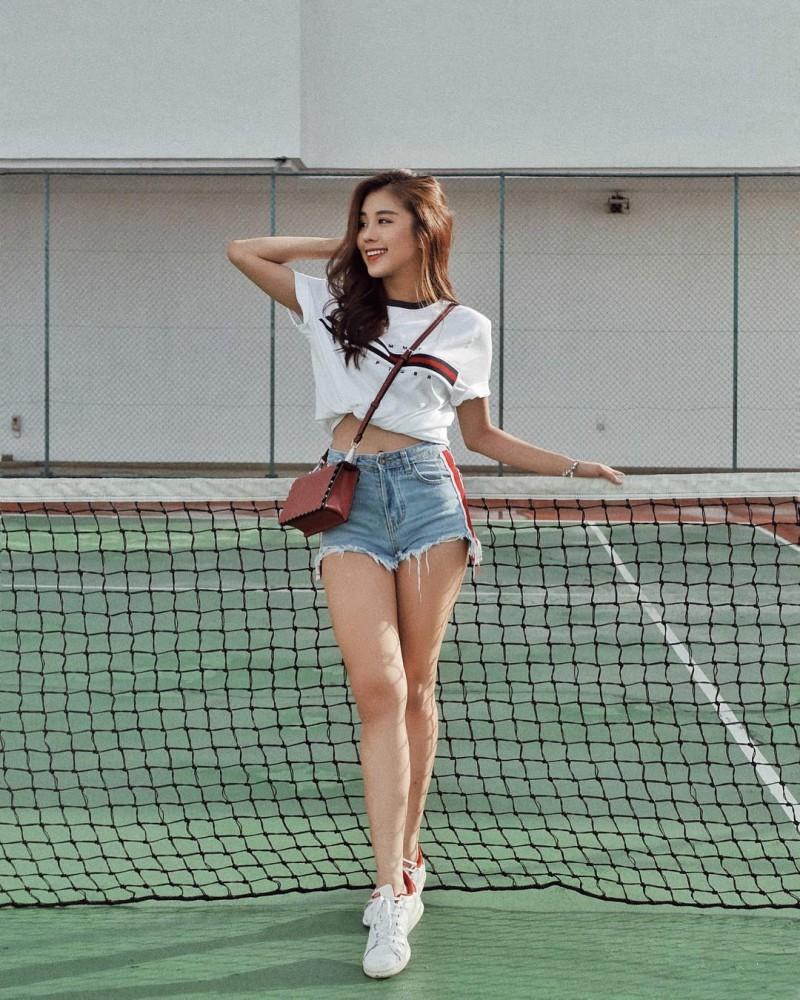甜美正妹Kelly Tan 性感热裤露肚脐魅力四射