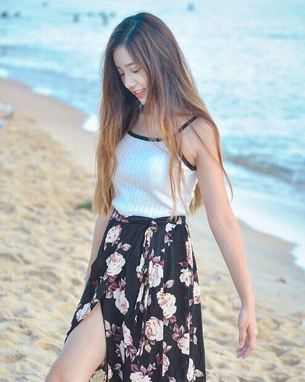 甜美正妹Serena Wong 曼妙身姿散发迷人气质
