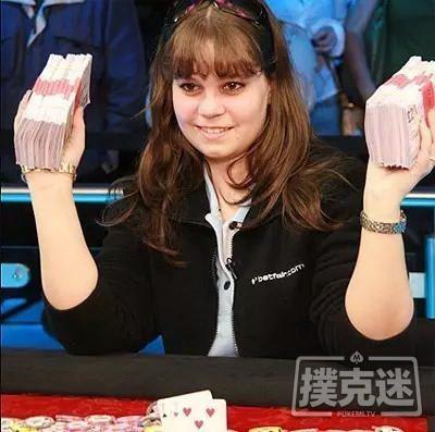 18岁少女全程不看底牌夺冠,力证德扑是技术游戏