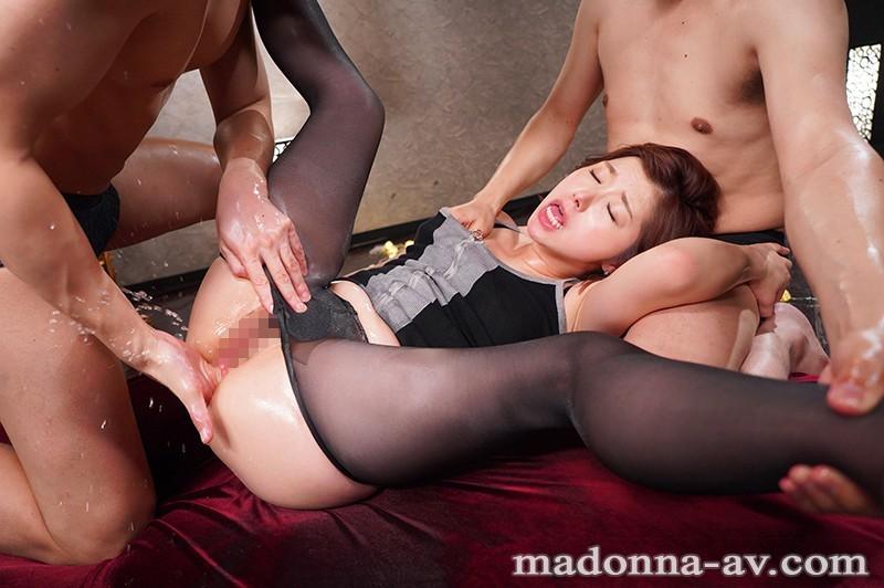 JUL-239:美熟女加藤 ツバキ变小母狗时躺平任你玩弄⋯