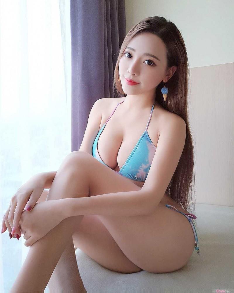 直播正妹Iris霍萱 性感比基尼征服众网友