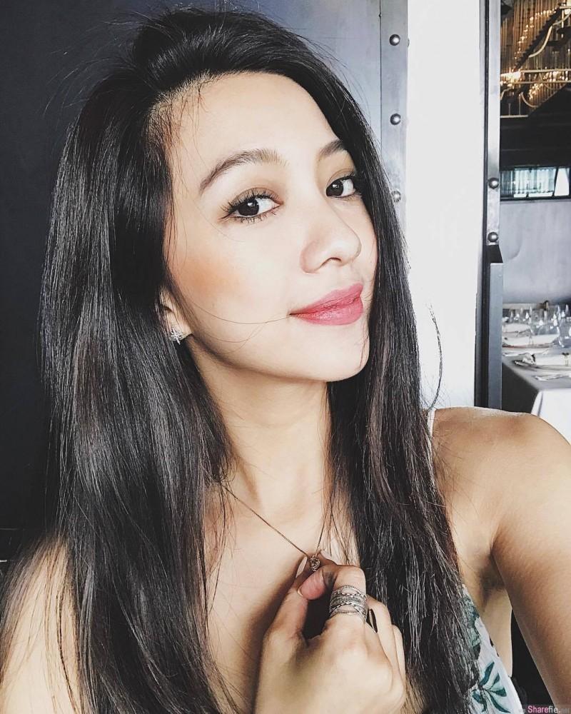 超人气网红正妹Sabrina吴怡德 背影女神火辣身材令人着迷