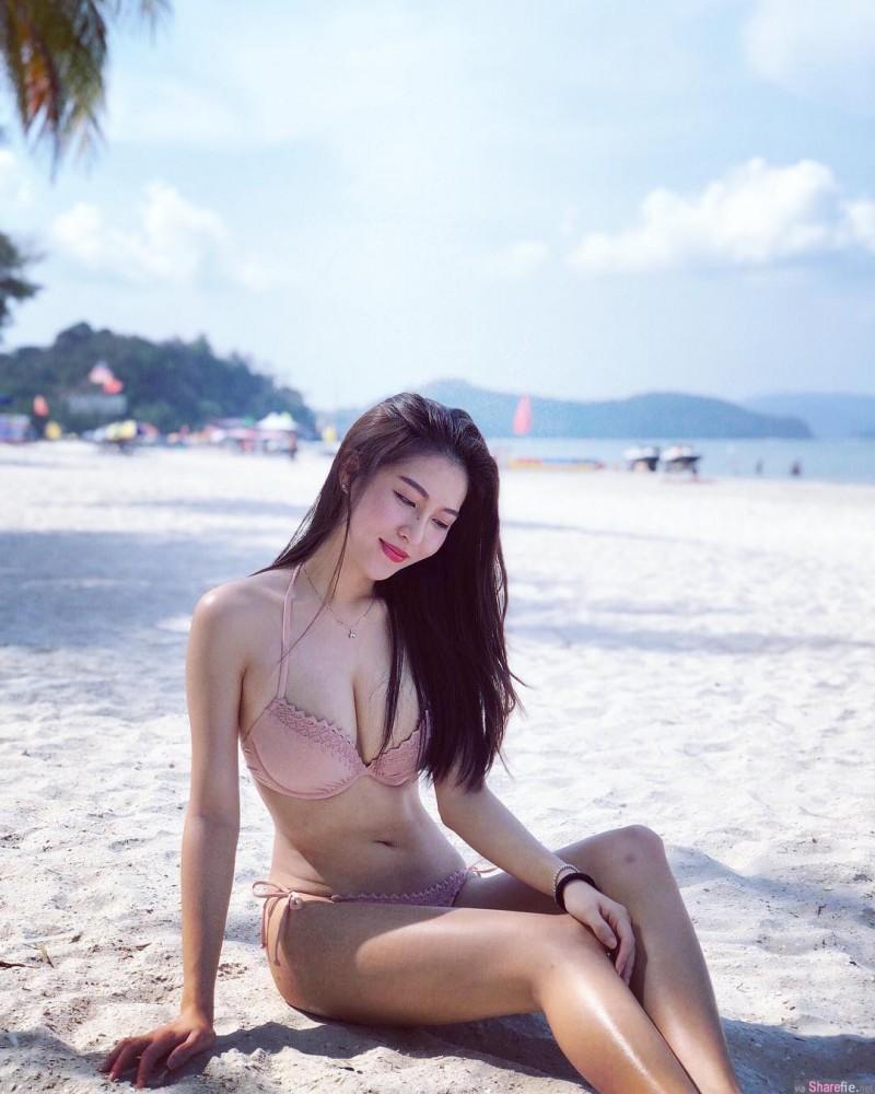 大长腿正妹Amily kuan 三点式比基尼性感撩人
