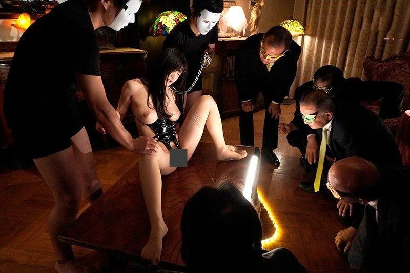 MIDE-686: 性奴隶!高桥圣子沦为变态欧吉桑的肉便器!