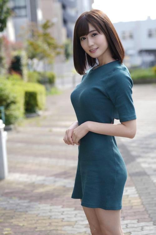 RBD-972:藤森里穂经历人生首次的肛交初体验!