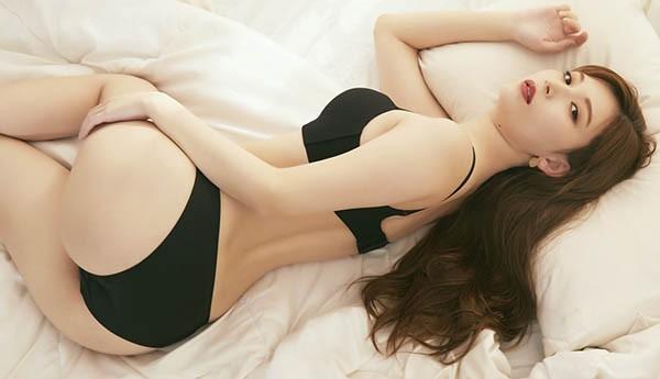 清新小宅女「明里紬」JKF杂志专访表示曾连续整个星期都在…