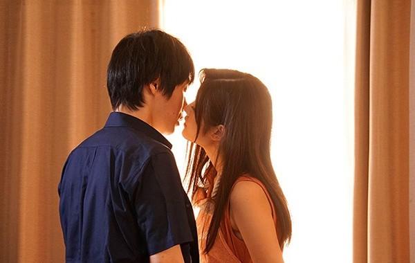 JUY-963: 纯真美少女神宫寺ナオ的不伦爱恋,过去没能实现的爱….!