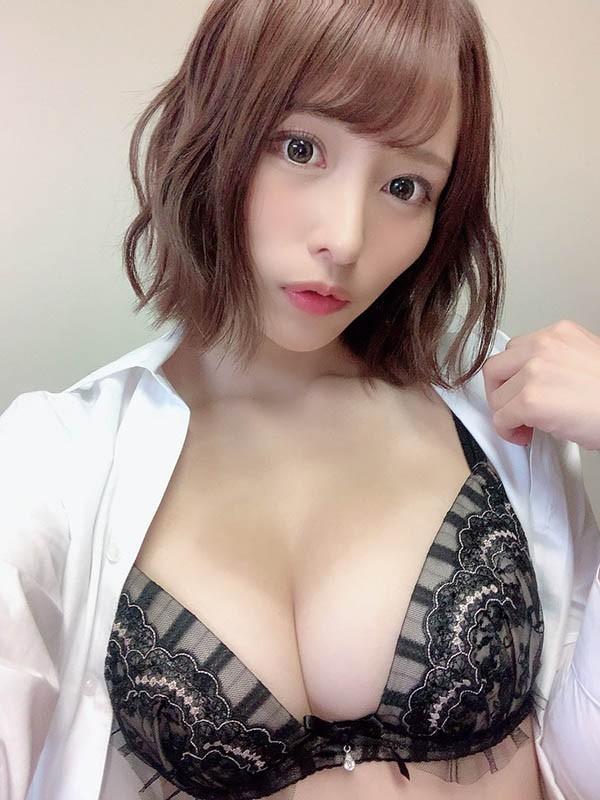 火辣美少女伊藤舞雪浴衣新穿法展现完美曲线!