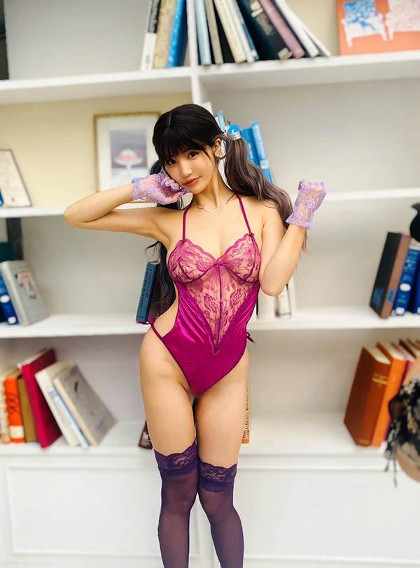 豪乳女神「高桥圣子」出浴照曝光,上空全裸!
