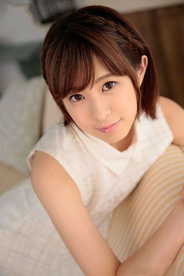 极品美少女MIDE-573 :极品才女,19岁的天然美少女,现役女大生「二宫ひかり」出道!