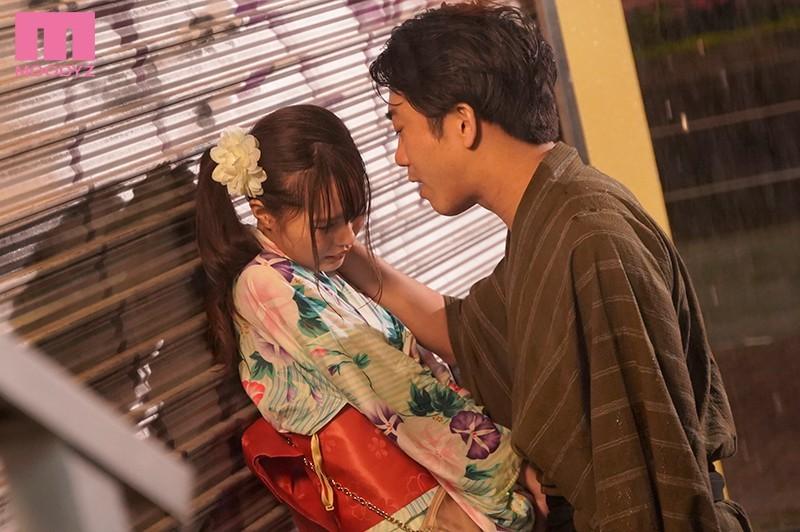 MIAA-306 :甜萌女孩松本一香和男友参加祭典 分开三分钟就被拖到旅馆内….