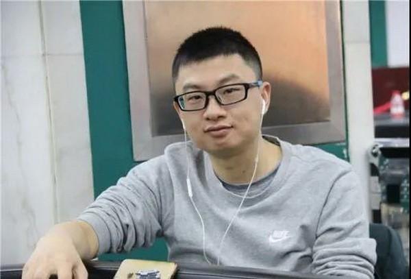 国人牌手故事 | 越幸运越努力的郑晓生:国际扑克,让我早生华发!