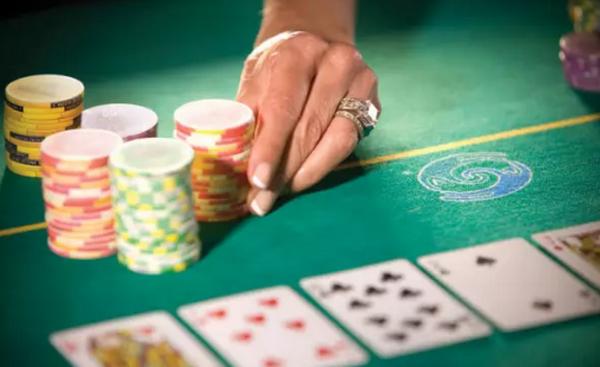 德州扑克如何理想地游戏99、TT、JJ?