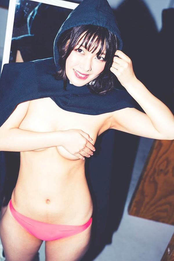 F罩杯短发美少女「小泉日向」惊爆明年一月引退?