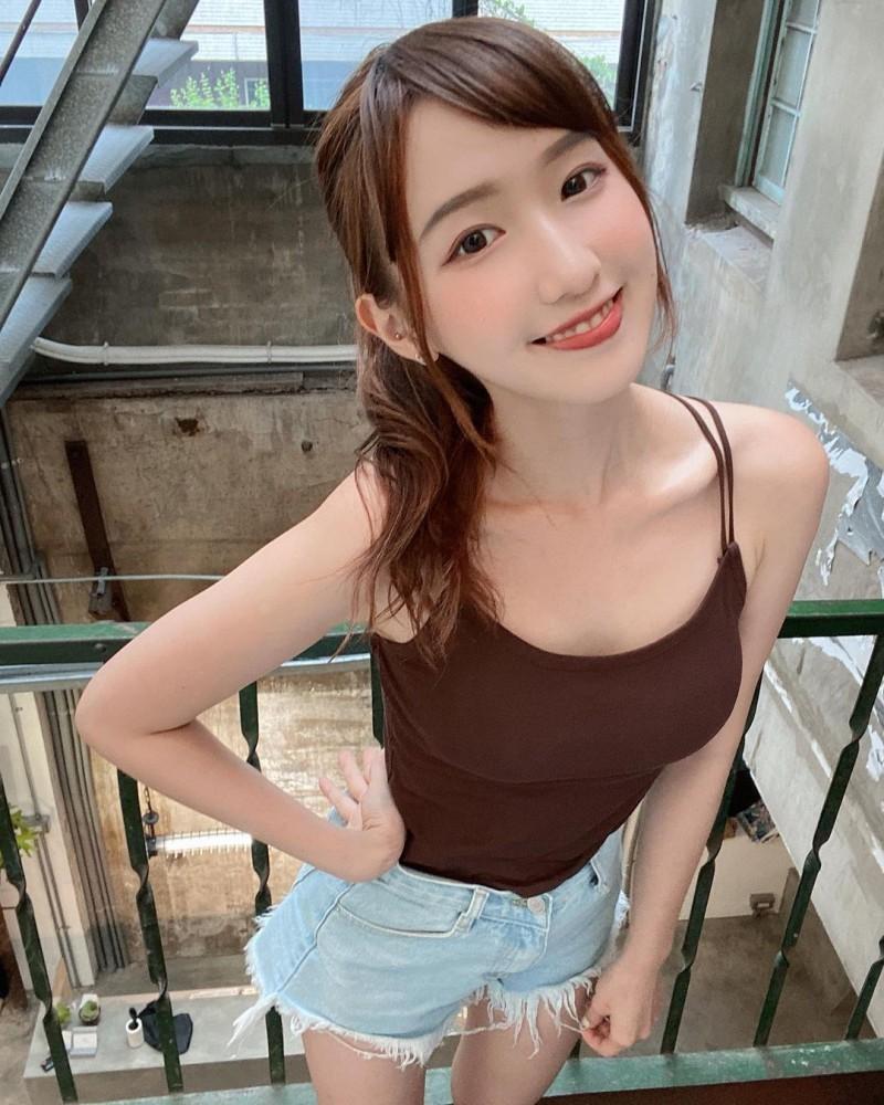 甜力爆表!台湾「气质小姊姊」极品脸蛋让人迷恋!那诱惑视角实在有够犯规