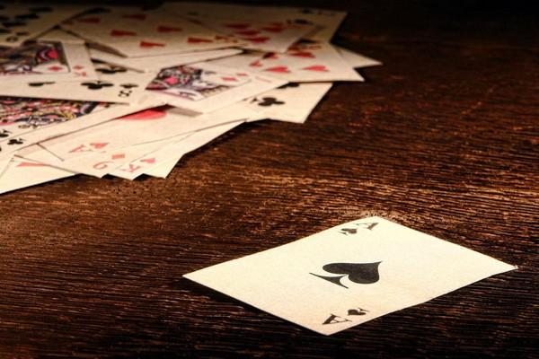 德州扑克选择全职还是第二份收入来源?
