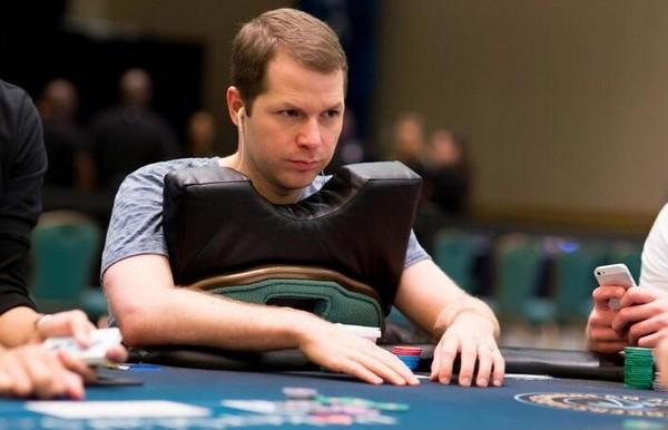 德州扑克如何游戏多人跛入的牌局