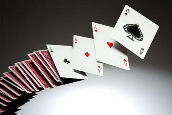德州扑克牌局讨论:AKo遭遇翻牌圈加注